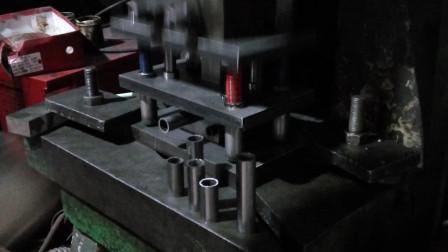 圆管切断模具管材冲床冲断模具现场操作