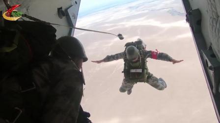 帅!巍巍昆仑山,特种兵首次跳伞