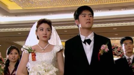 恶毒女和总裁结婚当天,没想到屏幕上会出现前妻的照片!有意思