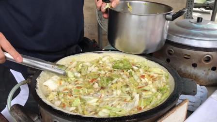 台湾特色麦仔煎摊,做法十分简单,每天顾客却络绎不绝