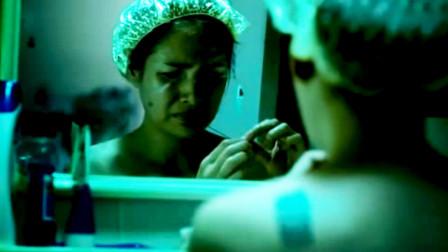 女孩喝水总是喝到头发,打开楼顶水箱发现,里面有具腐烂的尸体!