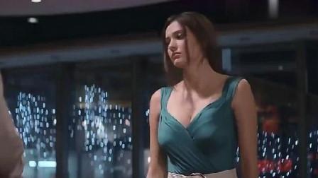 小伙和别的女人约会,本来想放弃,可是她身材实在太好!