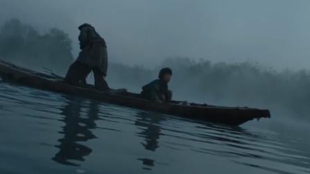 河里出现吃人怪物,老人建议拿少女祭祀?经典电影《水怪》