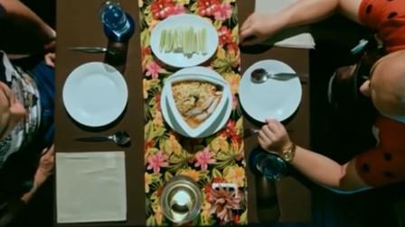 这就是命:兄弟俩到饭店吃饭,弟弟吃面条,哥哥吃澳洲大龙虾!