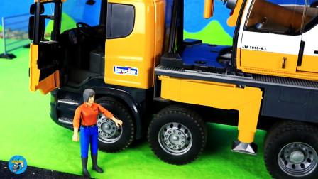 工程自卸车吊车大卡车施工,儿童玩具亲子互动,悠悠玩具城