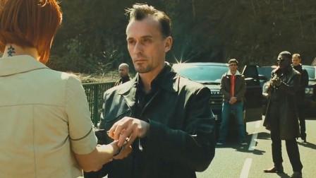 还有这操作?这次算是长见识了,郭达杰森斯用几个袋子就让奥迪浮起来了
