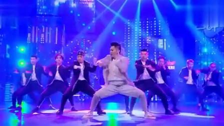 街舞大神杨文昊的舞蹈直接把黄子韬在台上激动的跳了起来!