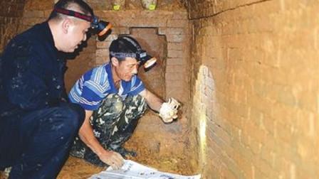 陕西发生一盗墓案,警察将其抓获后,盗墓贼:我挖我自家祖坟!