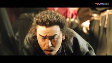《长安十二时辰》这段真是太帅了,雷佳音从凤凰头顶爬过,完成了最后狼卫的绝杀,并成功将伏火雷赶到湖边引爆!