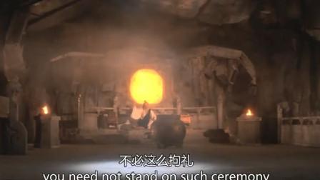 经典武侠剧:老师傅说剑神的武功已到化境,徒弟就算学会了反手剑也赢不了他!