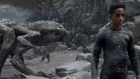 一部好莱坞奇幻冒险动作片 惊心动魄的与地球变异生物战斗场面震撼