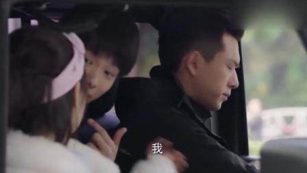 韩商言让佟年坐副驾驶,下一秒佟年却尖叫大哭,男人果然都是大猪蹄子