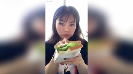 简易早餐—自制三明治牛奶 猫宁~
