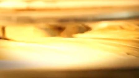 实拍:机器制作披萨的全过程,感觉卖相比人工更好些