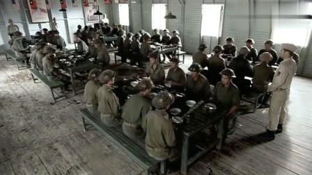 中国远征军:远征军将士嫌伙食太差,这勉强下咽的样子,太好笑了