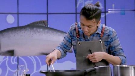 三文鱼六种吃法,谢霆锋用三文鱼加酸奶沙拉酱奶油,做三文鱼慕斯