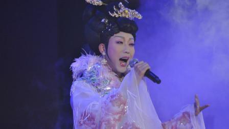 星光大道冠军与李玉刚合唱,女生版雨花石,原唱听了会打人