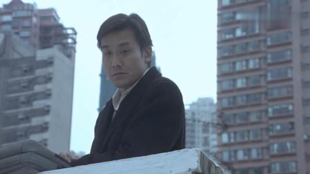 这才叫高智商悍匪,小弟做事他在高楼指挥,情况不对他立刻跑路!