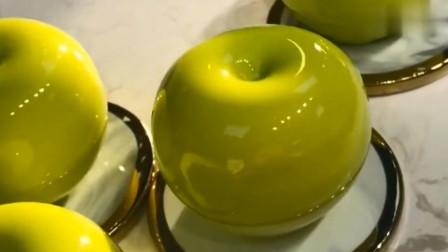 慕斯苹果制作过程,全是绿色的,看着口水就不住的往下流