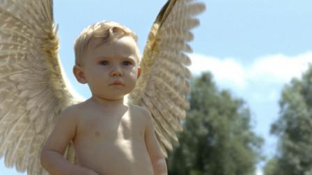 一部法国玄幻电影《瑞奇》,宝宝背后长出了一对翅膀,妈妈含泪送他飞走