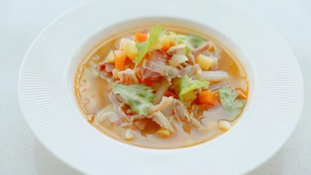 阿芋带你做一碗治愈心灵的极美鸡汤!