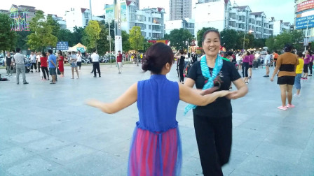 广场舞《独一无二》独特的旋律,一般人模仿不来啊