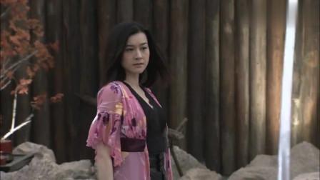 美女一人行刺日本道场,空手杀死一群小鬼子,功夫实在太强了