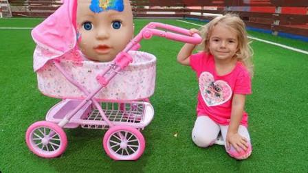 好奇怪!小宝宝为何受伤了?最后萌宝小萝莉如何照顾她呢?看完我都转发