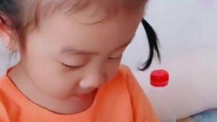 弟弟混口吃的真不容易,要这样求小萝莉,弟弟差点急哭了!