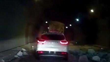 湖北一高速公路隧道发生坍塌事故 致车辆追尾碰撞