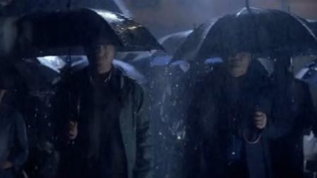 任达华饰演顶级扒手,为救人,他用高超偷术挑战整个黑帮