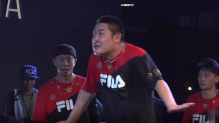 小海是世界上最会跳舞的胖子?是不是有点夸张了!看看这位国家队成员呢?