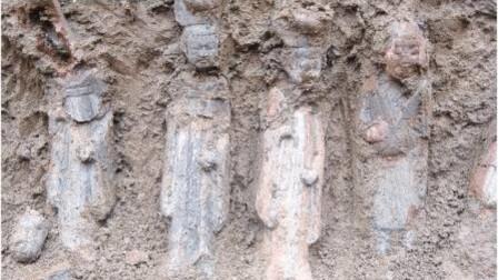陕西一块工地挖出古墓,里面的侍女让人惊艳,专家却称:这不可能!