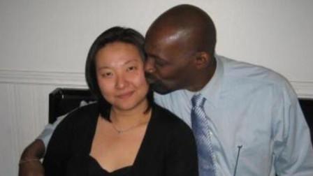 外国女子嫁到非洲后,5年生了13个孩子,现在终于忍不了要离婚!