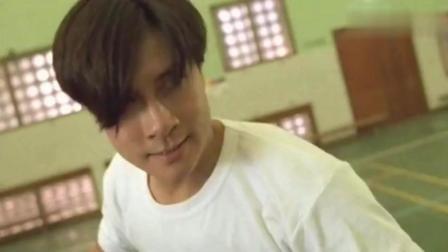 发型像黎明, 长的像刘德华, 动作像李小龙, 猜猜他到底是谁?