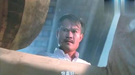 僵尸先生: 鸡血, 糯米加上林正英的法力, 就可以用墨斗封棺