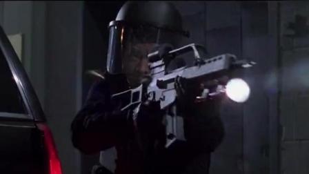 《宇宙追缉令》最精彩片段, 李连杰穿越宇宙击另一个自己