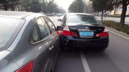 北京一雷克萨斯三次强行变道直接别停奔驰奔驰车主我惹你了