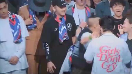 这就是街舞2:韩庚领舞挑衅吴建豪,没想到他一个人的气势就赢了_0
