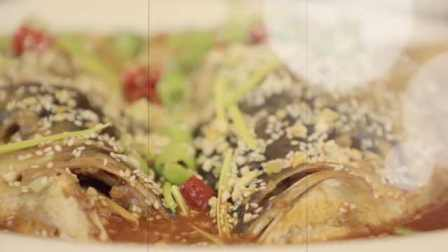 厨师长用情怀做菜,22年专注一道鱼头泡饼:师父教的第一道菜