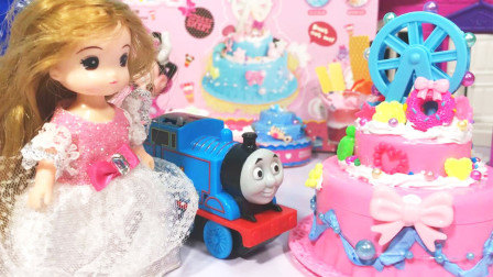 丁丁鸡爱玩具 给梦幻摩天轮点亮珍珠灯,托马斯送的生日蛋糕变收纳盒