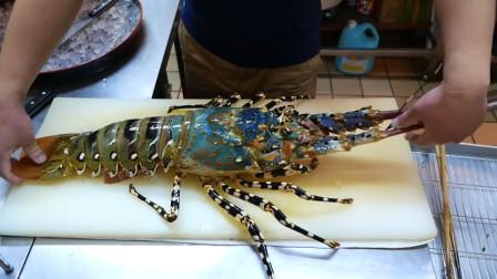 顶级厨师的刀功是怎样的?看看解剖龙虾的操作,不服都不行!