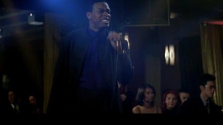尖峰时刻2:歌手演唱太烂,克里斯愤怒上台表演迈克尔杰克逊经典歌曲