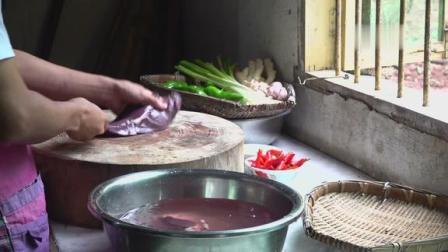 """厨师长教你:""""川式炒猪肝""""的家常做法,味道很鲜,先收藏起来"""