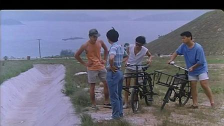 操行零分:领导和小混混比骑自行车,领导竟然赢了