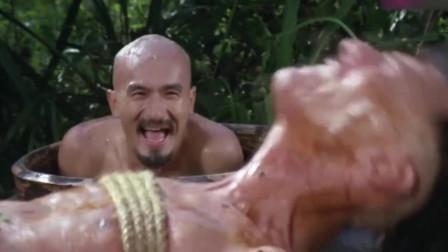 疯狂大老千:两男子惨被疯子抓住,看着仗势,是要被熬汤和烧烤啊!