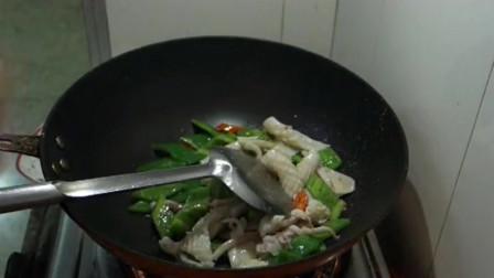 顺德美食:炒鱿鱼,开花的鱿鱼块最漂亮