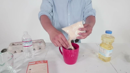 印度小哥在家自己做蛋糕,看到他的制作过程,蛋糕能吃吗