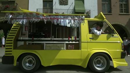 小伙子发明的快餐车,太厉害了全自动一键操作