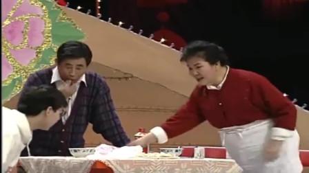 赵丽蓉的经典作品《吃饺子》太精彩了,观众都乐了